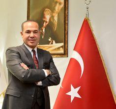 """Adana Büyükşehir Belediye Başkanı Hüseyin Sözlü, belediye olarak Adana'ya yeni kazandırıldıkları ve genel idare tarafından gerçekleştirilen yeni yatırımlar hakkında yaptığı değerlendirme de """"Memleketimize hizmet aşkımız ilk günkü heyecanla devam ediyor"""" dedi.  DEV PROJELERİMİZLE KENTİN GELECEĞİNİ PLANLIYORUZ  Adana genelinde bugüne kadar birçok alanda yepyeni hizmetleri gerçekleştirmenin yanında Bakanlıklarımızın yaptığı hizmetlerde destek çıkarak Adana'nın gelişimi …"""