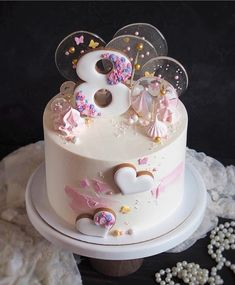 Image may contain: food Beautiful Birthday Cakes, Beautiful Cakes, Fondant Cakes, Cupcake Cakes, Cake Pops, Lollipop Cake, Baby Birthday Cakes, Birthday Cake Decorating, Painted Cakes