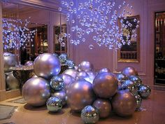 Easy outdoor christmas decorations ideas on a budget 19