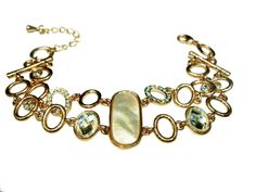 Elegant necklace, suitable to wear at night
