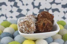 Carrot Cake Bliss Balls (Paleo, Gluten Free) | Words That Nourish