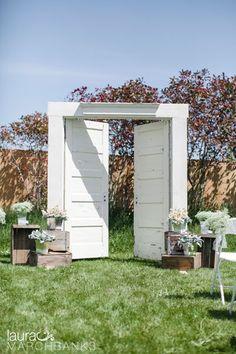 Seattle Wedding Photographer Laura Marchbanks captures a farm wedding at Greenbank Farm on Whidbey Island