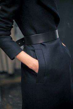 Black belt in a total black outfit. - Black Belt - Ideas of Black Belt - Black belt in a total black outfit. Fashion Gone Rouge, Fashion Mode, Look Fashion, Fashion Trends, Net Fashion, Trendy Fashion, Latest Fashion, Winter Fashion, Womens Fashion