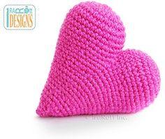 Amigurumi Heart by @IraRott | via I Heart Toys - A LOVE Round Up by @beckastreasures | #crochet #pattern #hearts #kisses #valentines #love