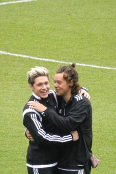 Niall and Harry! Four One Direction, One Direction Images, One Direction Wallpaper, One Direction Humor, Niall E Harry, Imprimibles One Direction, Foto One, Harry Styles Photos, Best Friendship