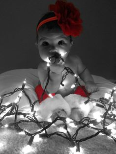 49 Trendy baby first christmas pictures diy So Cute Baby, Baby Love, Cute Babies, First Christmas Photos, Xmas Photos, Babys 1st Christmas, Newborn Christmas Pictures, Holiday Pictures, Christmas Ideas