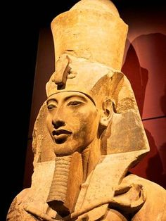 Most Famous Egyptian Pharaohs includes amazing stories to read and discover, explore the most famous rulers of ancient Egyptian Pharaohs. Ancient Egypt Pharaohs, Kemet Egypt, Ancient Egyptian Art, Ancient Civilizations, Ancient History, Giza Egypt, Egyptian Mythology, Old Egypt, Historical Artifacts