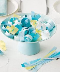 Real Simple Magazine: 20 5-minute centerpiece ideas for every occasion. You'd be surprised by what you can make in no time.