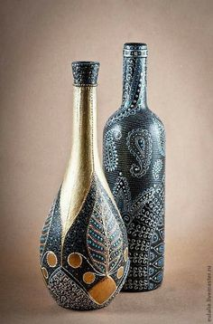 (Old Monk Bottle Painting) Painted Glass Bottles, Glass Bottle Crafts, Wine Bottle Art, Diy Bottle, Bottles And Jars, Decorative Bottles, Empty Bottles, Bottle Painting, Dot Painting