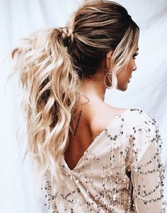 gorgeous chic low ponytail
