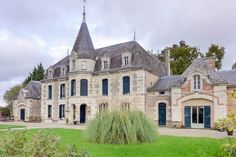Fabulous XV and XVII chateau in a idyllic setting surrounded by countryside is on the edge of a village. #dreamhouse #chateau #leggettimmobilier