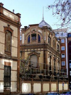 Museo de Farmacia Militar. Calle de Embajadores, Madrid. Obra de Pascual…