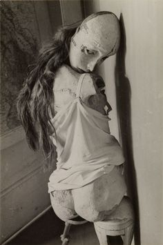 The Doll (La Poupée),1936. © Hans Bellmer