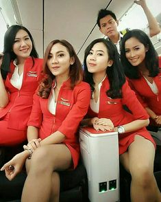 Airline Attendant, Flight Attendant, Onur Air, Airline Uniforms, Cabin Crew, Photo Instagram, Beautiful Asian Girls, Beautiful Women, Sexy Legs