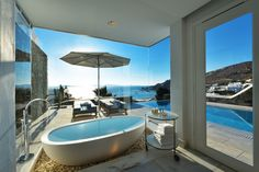 The best luxury suites in Mykonos are offered at the Mykonos Grand boutique hotel & resort. Spacious, luxurious suites accommodation with sea views & pools. Interior Design Photos, Interior Design Inspiration, Beautiful Living Rooms, Beautiful Space, Boutique Hotel Mykonos, Boutique Hotels, Amazing Architecture, Architecture Design, Leading Hotels