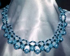 Free pattern for pretty necklace Sea Date