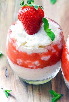 TRUSKAWKOWY DESER RYŻOWY / RICE WITH STRAWBERRY  http://sokzycia.pl/truskawkowy-deser-ryzowy/   #ryz #truskawki #deser #rice #riso #strawberry #strawberries #desert #vegetarian #vegetarianfood #vegefood #vege #vegetarianlife #healthy #foodporn