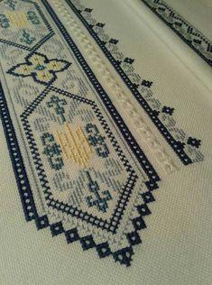 Cross Stitch Geometric, Cross Stitch Borders, Crochet Borders, Cross Stitch Flowers, Cross Stitching, Cross Stitch Patterns, Hardanger Embroidery, Beaded Embroidery, Cross Stitch Embroidery