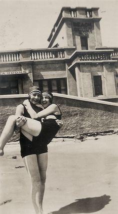 1925, at the beach