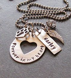 Personalized Hand Stamped Dog  Memorial por EquineExpressionsbyD, $32.00