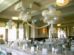 Balloon Clouds over Top Table Ballon Helium, Baby Birthday, Birthday Parties, Deco Ballon, Balloon Clouds, Bridal Decorations, Balloon Bouquet, Gold Pattern, Perfect Party
