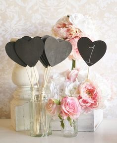 20 DIY Wedding Table Number Ideas | Confetti Daydreams - DIY Heart-Shaped Chalkboard Table Numbers. Get our DIY Tips here! ♥  ♥  ♥ LIKE US ON FB: www.facebook.com/confettidaydreams  ♥  ♥  ♥ #Wedding #Decor