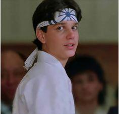 80s Aesthetic, Aesthetic Words, Aesthetic Photo, The Karate Kid 1984, Karate Kid Cobra Kai, Cobra Kai Dojo, Jiraiya Y Naruto, Michael J Fox, Ralph Macchio
