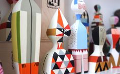 alexander-girard-dolls