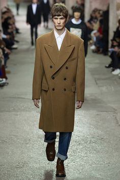 Dries Van Noten unveiled hisFall/Winter 2017 collectionduring Paris Fashion Week.