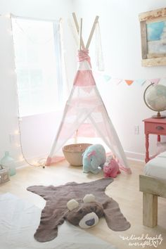 These cute and clever DIY ideas will drive you - and your nursery theme - wild.: DIY Bear Rug