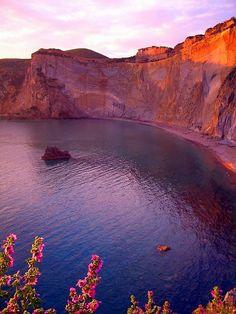 #Yamadu - Isola di Ponza - Lazio - Italia Seguici per vedere delle bellissime foto delle regioni d'Italia e promuovi la tua casa vacanza gratis!