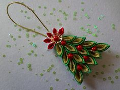 (No instructions.have to figure it out) Quilling Christmas, Christmas Ornament Crafts, Christmas Ribbon, Christmas Themes, Christmas Crafts, Christmas Decorations, Quilted Ornaments, Fabric Ornaments, Ribbon Art