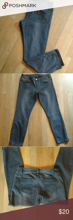 Max Skinny Jeans. Dark grey. Feathering. Cute Super cute Max Skinny jeans with feathering at the leg. Zip bottoms. New without tags. Size 8 Max Studio Jeans Skinny