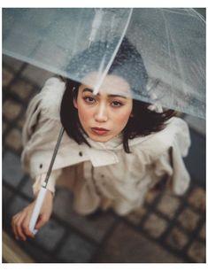 Model Poses Photography, Rainy Day Photography, Umbrella Photography, Photography Women, Creative Photography, Photography In The Rain, Rainy Day Photos, Shotting Photo, Portraits