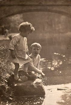 +~+~ Antique Photograph ~+~+   Child's play