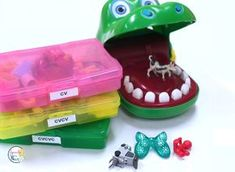 Speech Therapy Treatment Ideas for Mini Objects - Speech Room News Speech Therapy Autism, Preschool Speech Therapy, Speech Language Pathology, Speech And Language, Preschool Songs, Aphasia Therapy, Occupational Therapy, Articulation Activities, Autism Activities