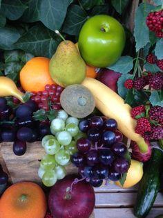 Kunstig frugt, naturtro og dekorativ. Se mere på dekolagersalg.dk