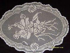 Filet Crochet Charts, Crochet Doily Patterns, Crochet Doilies, Fillet Crochet, Yarn Crafts, Tricot, Paths, Towels, Handmade Crafts