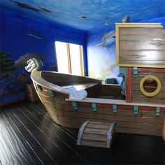 Pirate bed, I love this room!