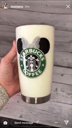 Diy Tumblers, Custom Tumblers, Glitter Tumblers, Disney Cups, Disney Diy, Disney Dream, Disney Starbucks, Starbucks Drinks, Tumblr Cup