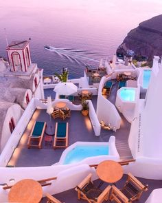 Beautiful Places To Travel, Wonderful Places, Vacation Places, Dream Vacations, Popular Honeymoon Destinations, Travel Destinations, Greece Destinations, Purple Sunset, Santorini Greece