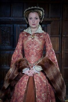 Mary I-Mary Tudor – Richard Jenkins Photography Tudor Fashion, Medieval Fashion, Historical Costume, Historical Clothing, Historical Dress, Mary I Of England, Elizabethan Gown, Tudor Dress, Mary Tudor
