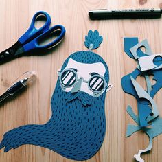 Illustrator Juan Carlos, from Valencia, works with simple illustration and clever layering to bring his imaginative paper figures to life. His work is full of interesting characters with endearing human. Simple Illustration, Paper Illustration, Hipster Illustration, Art Carton, Illustrator, Paper Artwork, Paper Cutting, Cut Paper, Art Plastique