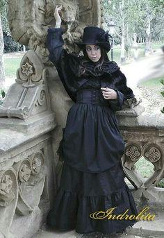 Victorian long skirt - Gothic Lolita - Amish #victorian #Lolitafashion #steampunk http://etsy.me/2zSSFcc