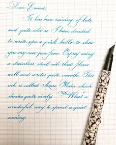 Acrylic mudpie Milano fitted with Osprey EF Neat Handwriting, Handwriting Styles, Calligraphy Handwriting, Penmanship, Cursive, English Learning Spoken, Learn English Words, Brush Pen Calligraphy, School Organization Notes