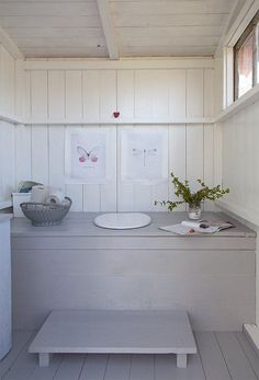 Bright and simple potty.