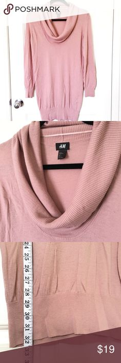 H&M rose pink cowl neck sweater I love this sweater! I only wore once for Thanksgiving, and it doesn't quite fit anymore. This has a cowl neckline and sits at the lower hip and fits snug in the sleeves. Great for office wear or over black leggings for a comfy weekend outfit! H&M Sweaters Cowl & Turtlenecks