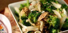 Simple Broccoli Stir Fry from www.everydaymaven.com