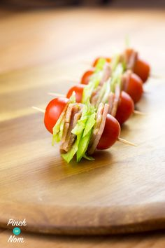 10 Best Ideas for Party Appetizers and Finger Food - Wandernity Bacon, lettuce, and tomato bites is one of the best ideas for a party appetizer Party Finger Foods, Finger Food Appetizers, Appetizers For Party, Appetizer Recipes, Nibbles For Party, Party Canapes, Cold Finger Foods, Healthy Finger Foods, Clean Eating Snacks