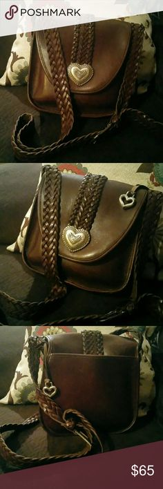 Authentic Saddlebag Brighton Beautiful dark chocolate brown saddlebag Brighton with braided leather strapping.. gently used.. 9 inches tall.. 9 inches wide and three inches and depth Brighton Bags Shoulder Bags